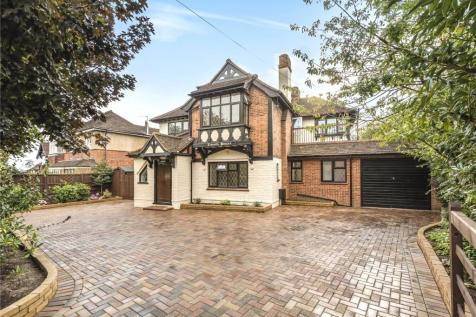 High Road, Harrow, Middlesex, HA3. 5 bedroom detached house