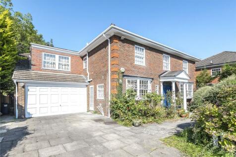 Grantham Close, Edgware, Middlesex, HA8. 5 bedroom detached house