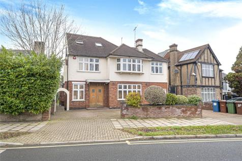 Dalkeith Grove, Stanmore, Middlesex, HA7. 6 bedroom detached house for sale