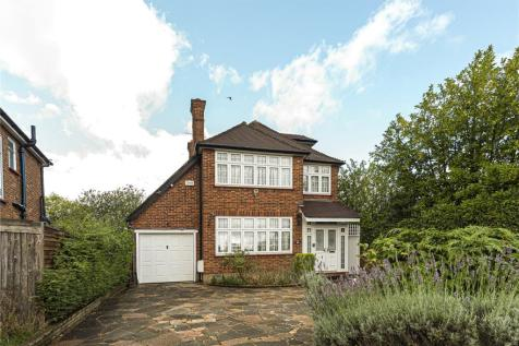 Dovercourt Gardens, Stanmore, Middlesex, HA7. 4 bedroom detached house