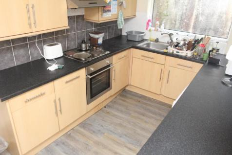 Llantwit Road - Room 1 , Treforest,. 1 bedroom house share