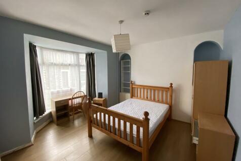 Wood Road, Pontypridd. 3 bedroom terraced house