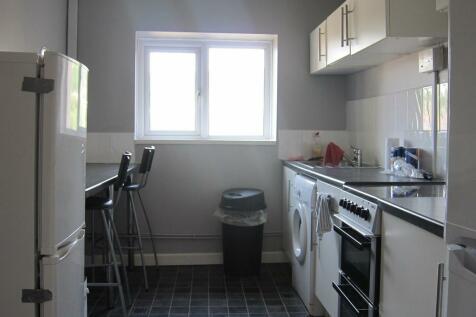 St Michaels Avenue, Pontypridd. 3 bedroom terraced house
