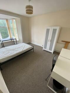 Wood Road. 4 bedroom terraced house