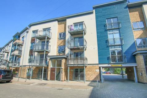 Quayside Drive, Colchester, CO2. 2 bedroom apartment