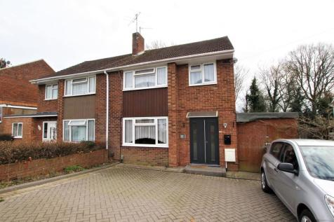 Winton Road, Reading. 3 bedroom semi-detached house