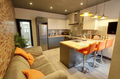 Danvers Road, Leicester. 6 bedroom terraced house