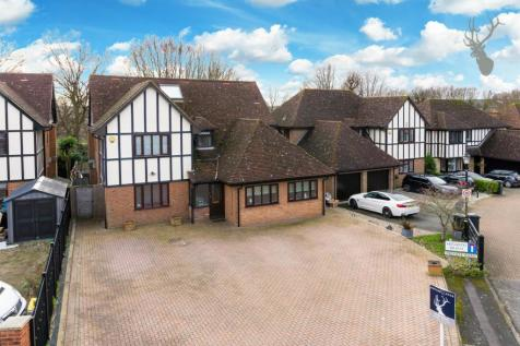 The Lindens, Loughton. 4 bedroom detached house for sale
