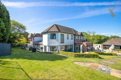 Woodman Lane, London. 6 bedroom detached house for sale