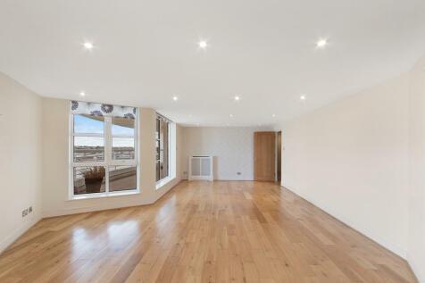 Barrier Point, Royal Docks, E16. 2 bedroom apartment