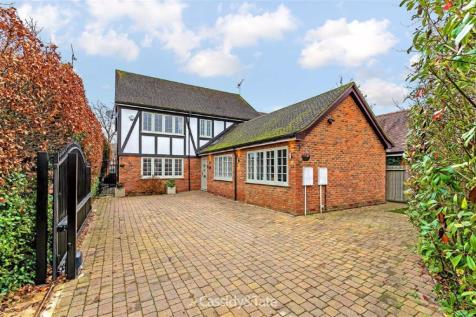Darley Croft, St. Albans, Hertfordshire. 5 bedroom detached house for sale