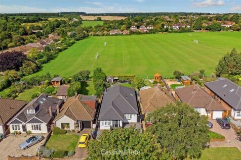 Robert Avenue, St Albans, Hertfordshire. 3 bedroom detached house for sale