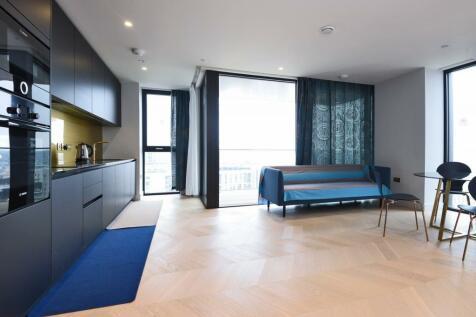 The Waterman, Tidemill Square, Lower Riverside, Greenwich Peninsula, SE10. 2 bedroom apartment