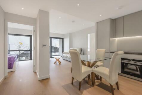 No.1, Upper Riverside, Greenwich Peninsula, Cutter Lane, SE10. 2 bedroom apartment