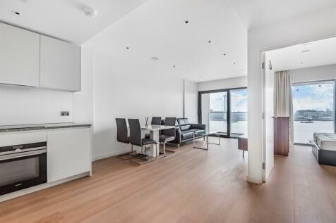 No.1, Upper Riverside, Cutter Lane, Greenwich Peninsula, SE10. 1 bedroom apartment