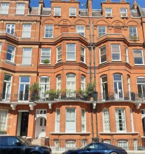 Egerton Gardens, Knightsbridge, London, SW3. 2 bedroom apartment