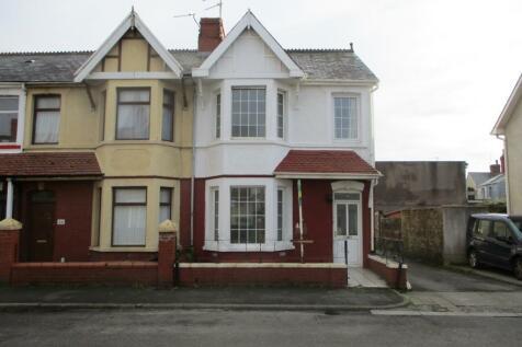 Fenton Place, Porthcawl, South Glamorgan, Bridgend (County of), CF36. 2 bedroom ground floor flat