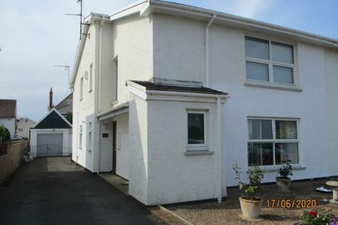 Park Avenue, Porthcawl, South Glamorgan, Bridgend (County of), CF36. 2 bedroom flat