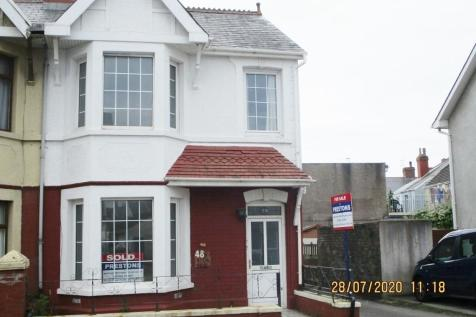 Fenton Place, Porthcawl, South Glamorgan, Bridgend (County of), CF36. 2 bedroom flat