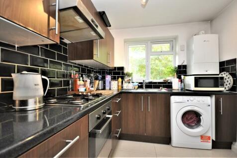 Lovelace Road, Surbiton. 1 bedroom apartment
