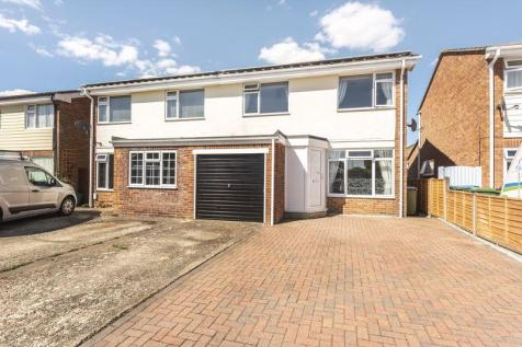 Harriet Close, Hill Head. 3 bedroom semi-detached house