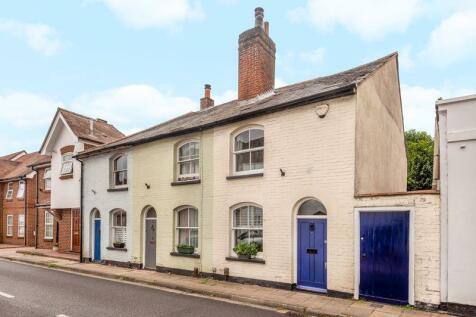 East Street, Titchfield. 2 bedroom terraced house