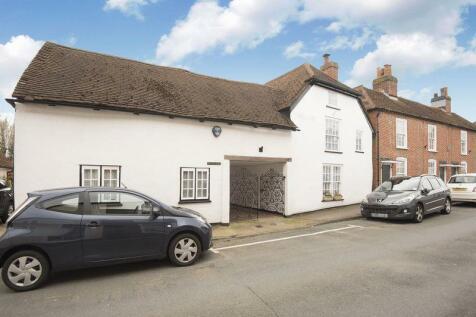 West Street, Titchfield Village. 3 bedroom semi-detached house
