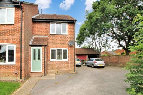 The Hurdles, Titchfield Common. 2 bedroom end of terrace house