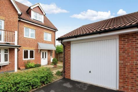 Lee-on-the-Solent, Hampshire. 4 bedroom semi-detached house