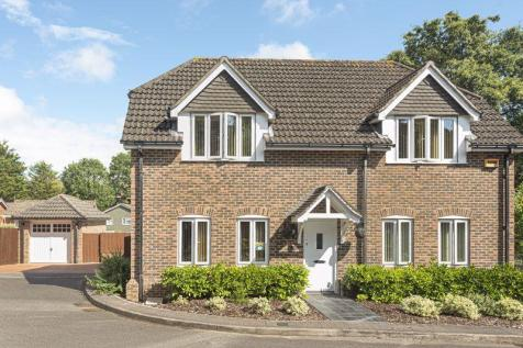 Wynsdale Chase, Warsash. 4 bedroom detached house