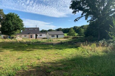 Hyver Farm Cottage, Barnet, EN5. 5 bedroom bungalow