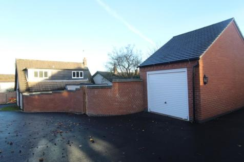 North Street, Whitwick, Coalville, LE67. 2 bedroom detached house