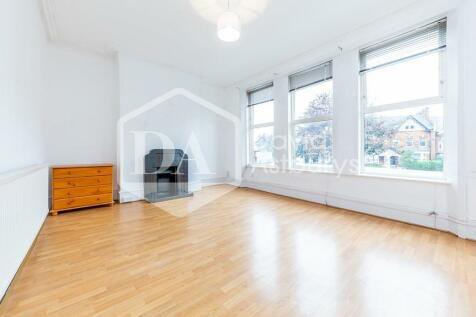 Tottenham Lane, Crouch End, London. 3 bedroom apartment