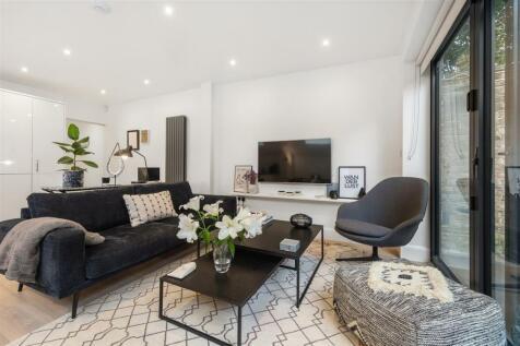 Denholme Road, W9. 2 bedroom flat
