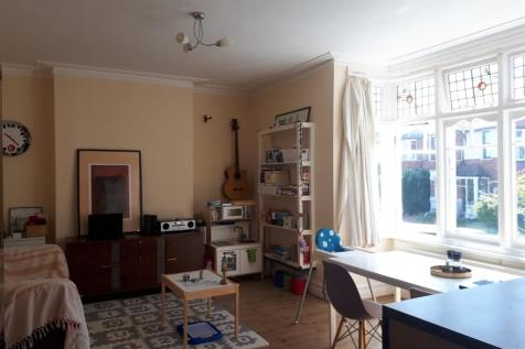 Broxholm Road West Norwood, London, SE27. 2 bedroom flat