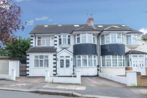 Brinkworth Road, Ilford, London, IG5. 5 bedroom semi-detached house