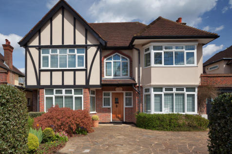 The Ridgeway Mill Hill East, London, NW7. 3 bedroom link detached house