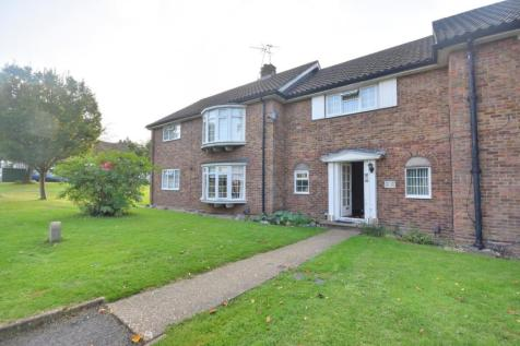 Merry Hill Road, Bushey, Hertfordshire, WD23 1AS. 3 bedroom flat