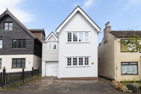 Princes Road, Buckhurst Hill. 3 bedroom detached house