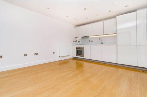 The Broadway, Loughton. 2 bedroom apartment