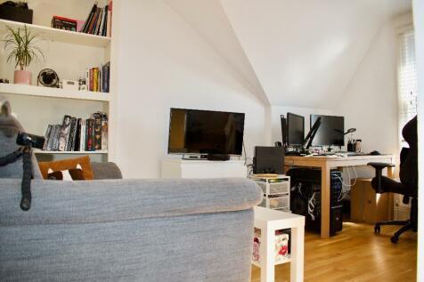 Haven Lane, London, W5. 1 bedroom flat