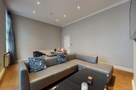 Farringdon Road, London, EC1R. 4 bedroom maisonette