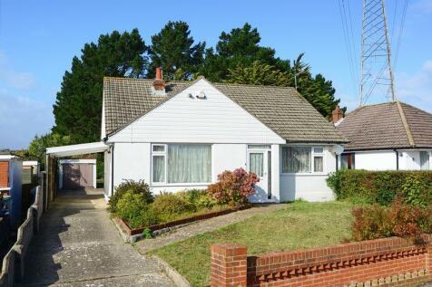 Corbiere Avenue, Alderney, Poole BH12. 4 bedroom chalet