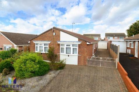 Cogdeane Road, West Canford Heath, Poole BH17. 3 bedroom bungalow