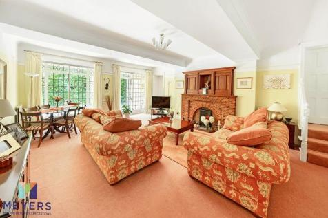 Hermitage Road, Lower Parkstone, Poole, BH14. 3 bedroom apartment