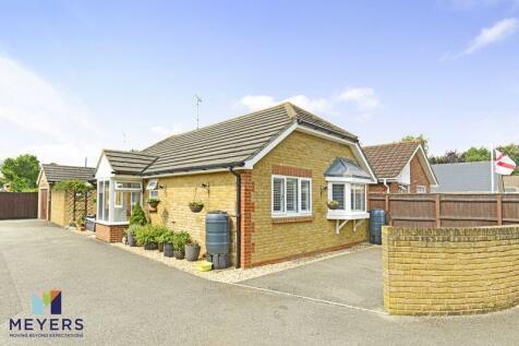 Symes Road, Hamworthy, Poole, BH15. 2 bedroom bungalow