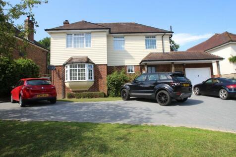 Hurst Farm Road, East Grinstead, RH19. 4 bedroom detached house
