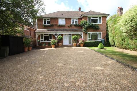 Lewes Road, Ashurst Wood, East Grinstead, RH19. 4 bedroom detached house
