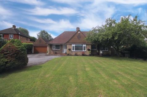 Dayseys Hill, Outwood, Redhill, RH1. 3 bedroom bungalow for sale