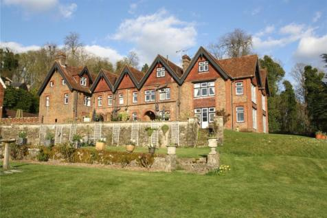 Linton Hill, Linton, Maidstone, ME17. 10 bedroom country house for sale